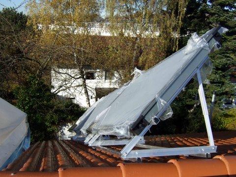 Sonnenkollektoren noch eingepackt